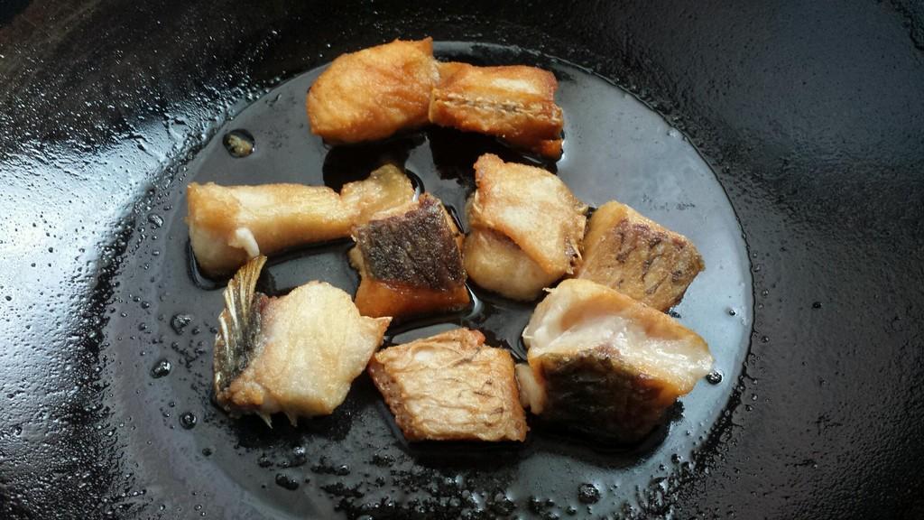 红烧鱼块的做法图解1