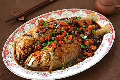 名厨菜谱-五花肉烧黄花鱼