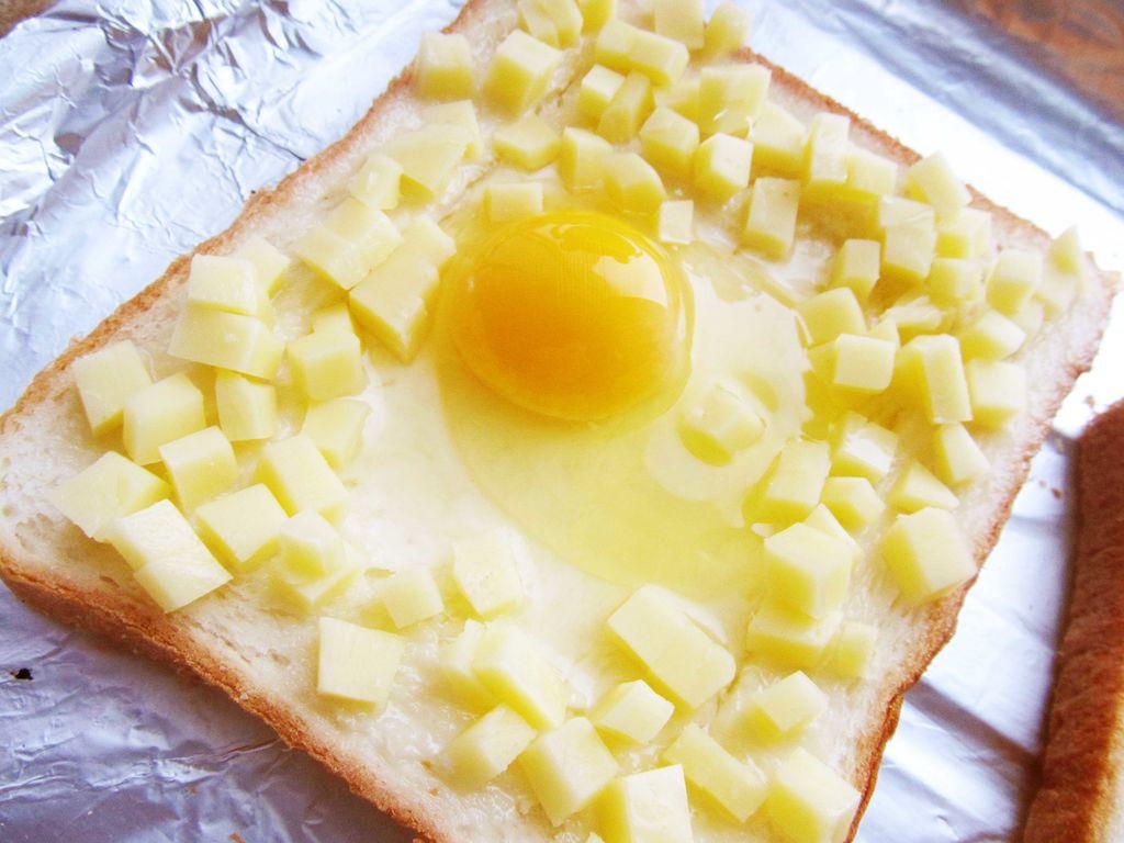 快手早餐-奶酪吐司蛋(a b版)的做法图解4
