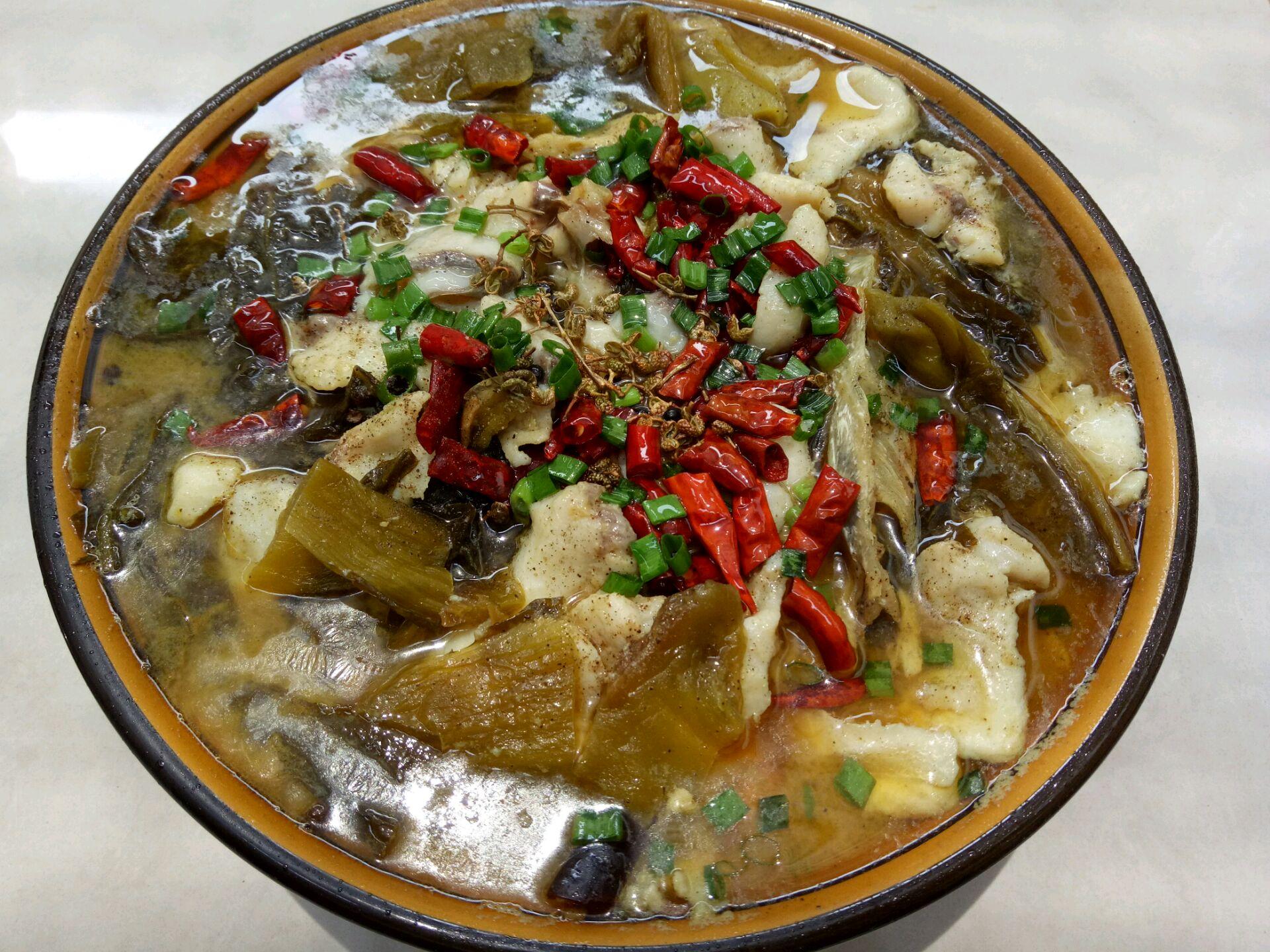 麻辣酸菜鱼的做法步骤 4.