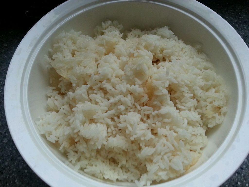 什锦炒米饭的做法图解3
