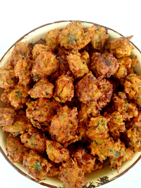炒菜煲汤临锅时加入提鲜不口干 胡萝卜丸子的做法步骤 6.