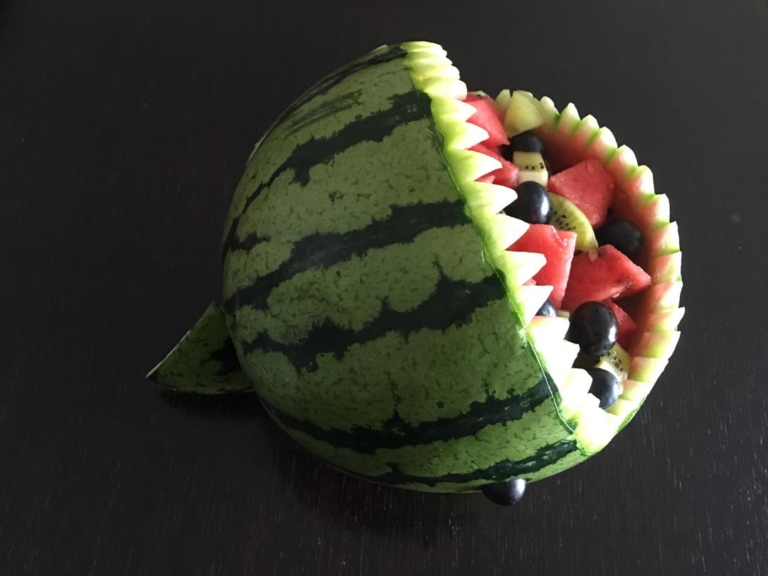 用西瓜做动物造型