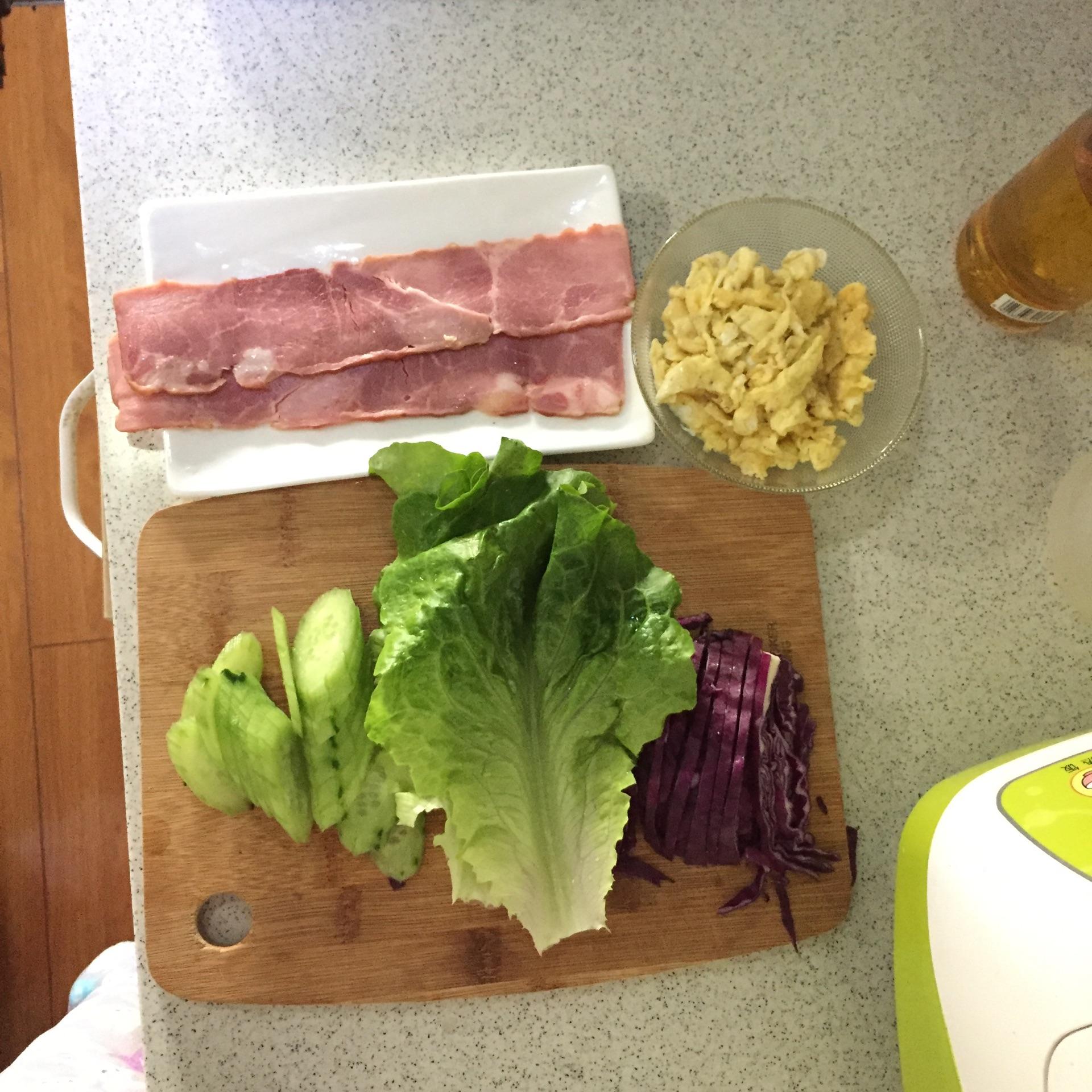 快手培根三明治的做法步骤