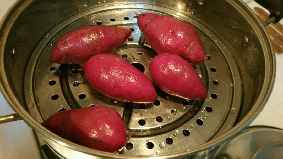 蜜豆·紫薯圆子·奶茶的做法图解1