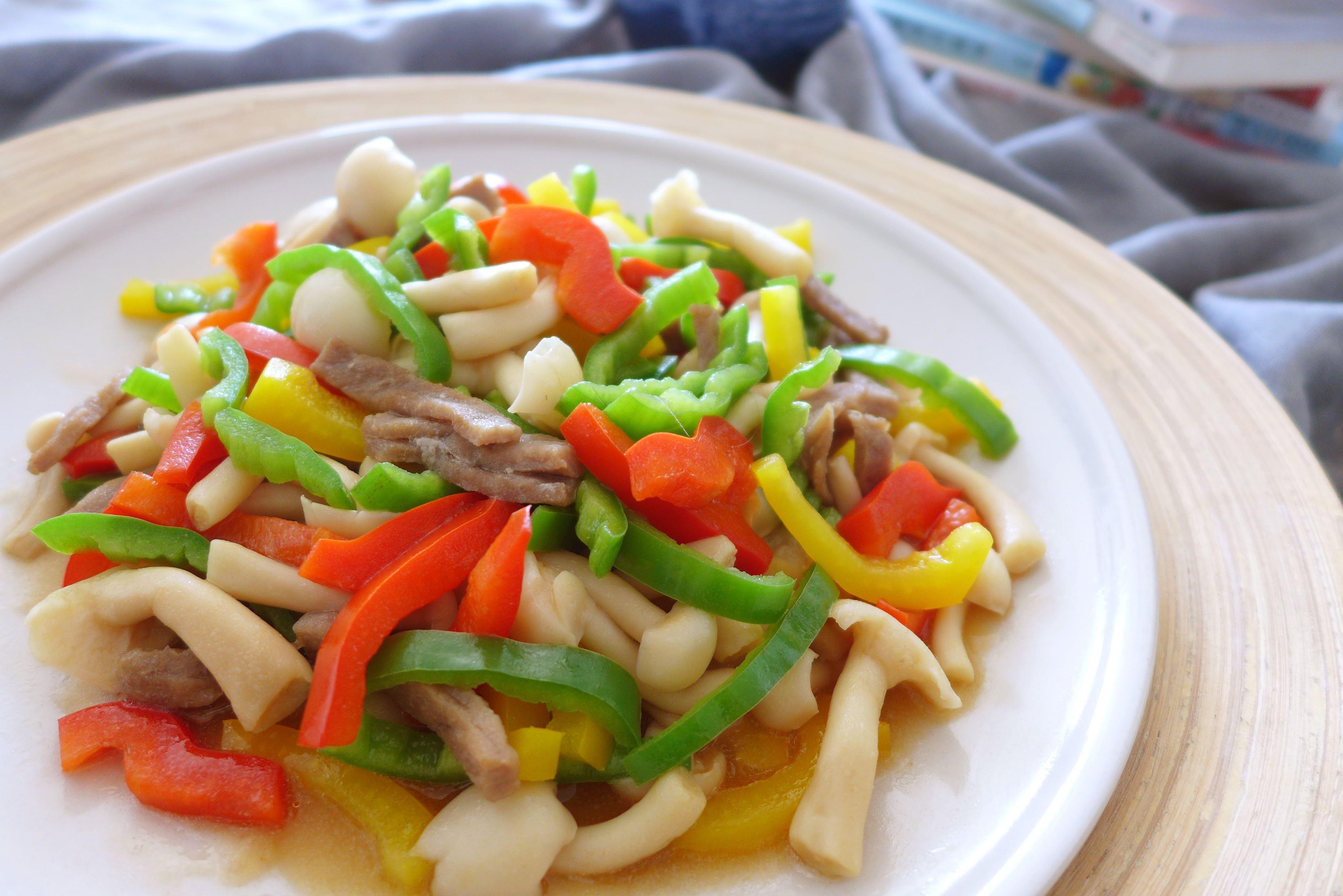 彩椒牛肉炒美食的菜谱_做法_豆果鱿鱼蘑菇煮久了怎么办图片