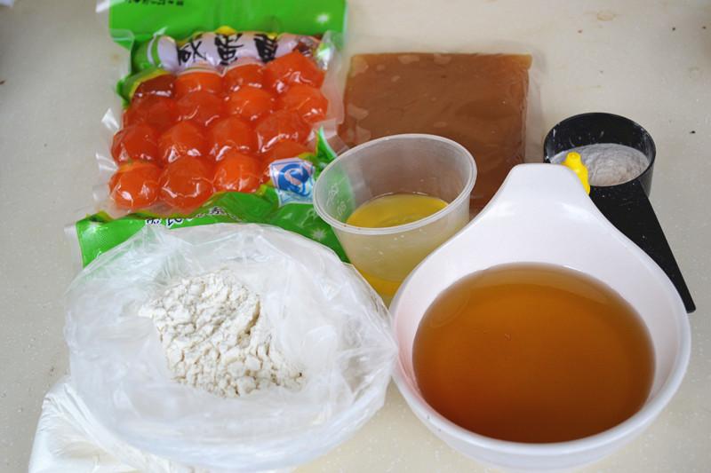 自制广式莲蓉蛋黄月饼的做法步骤