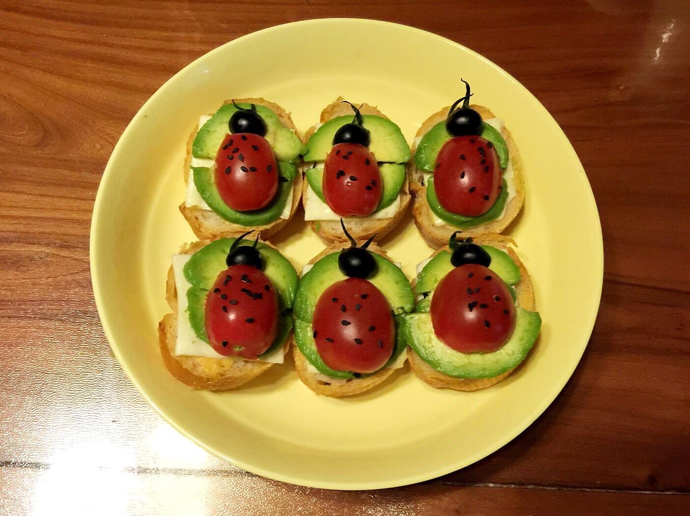 儿童早餐—小瓢虫法棍的做法图解6