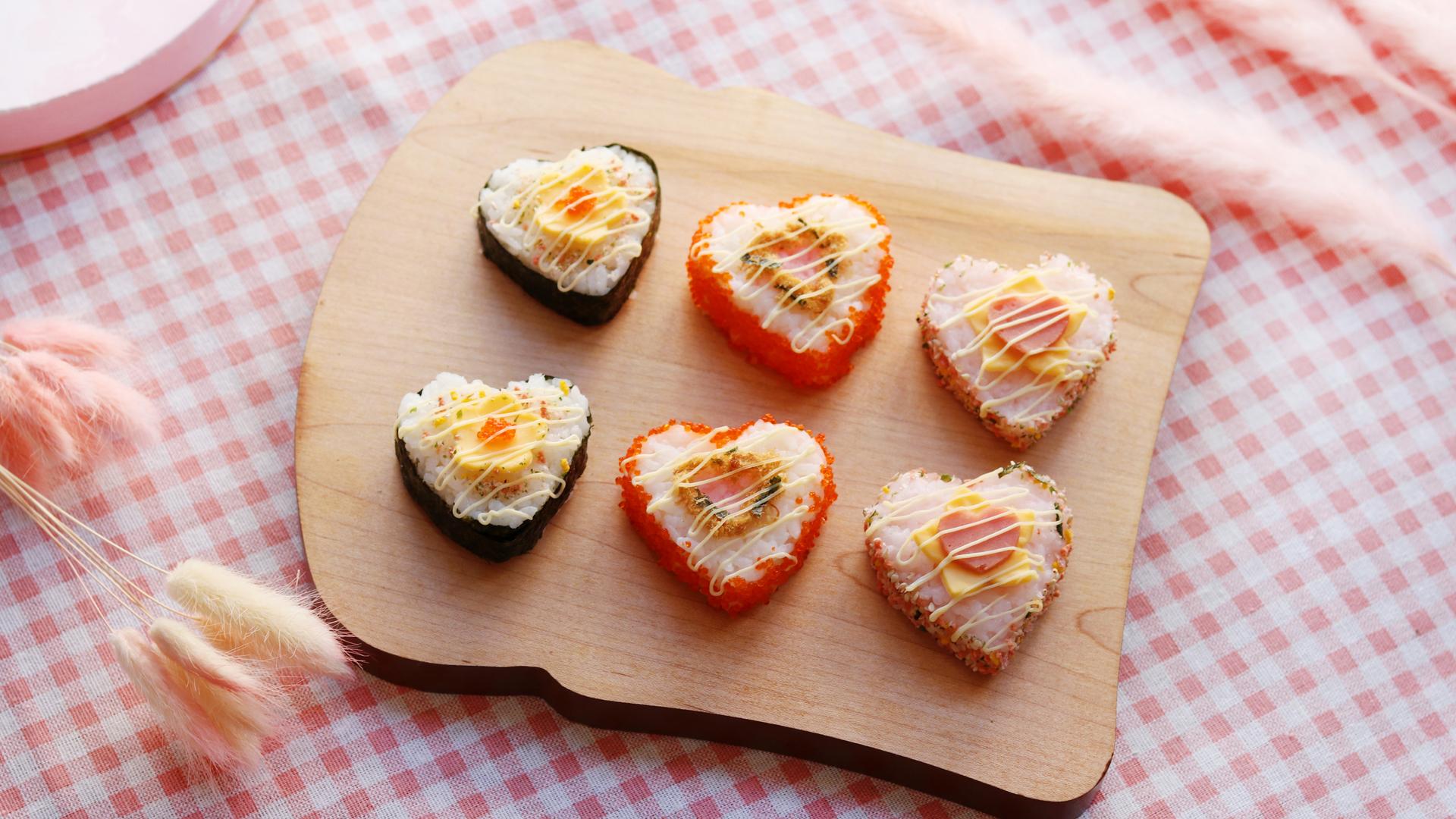 美�yn��g(�)�kK�X��ik�j_心形寿司卷-丘比沙拉酱的做法_菜谱_豆果美食