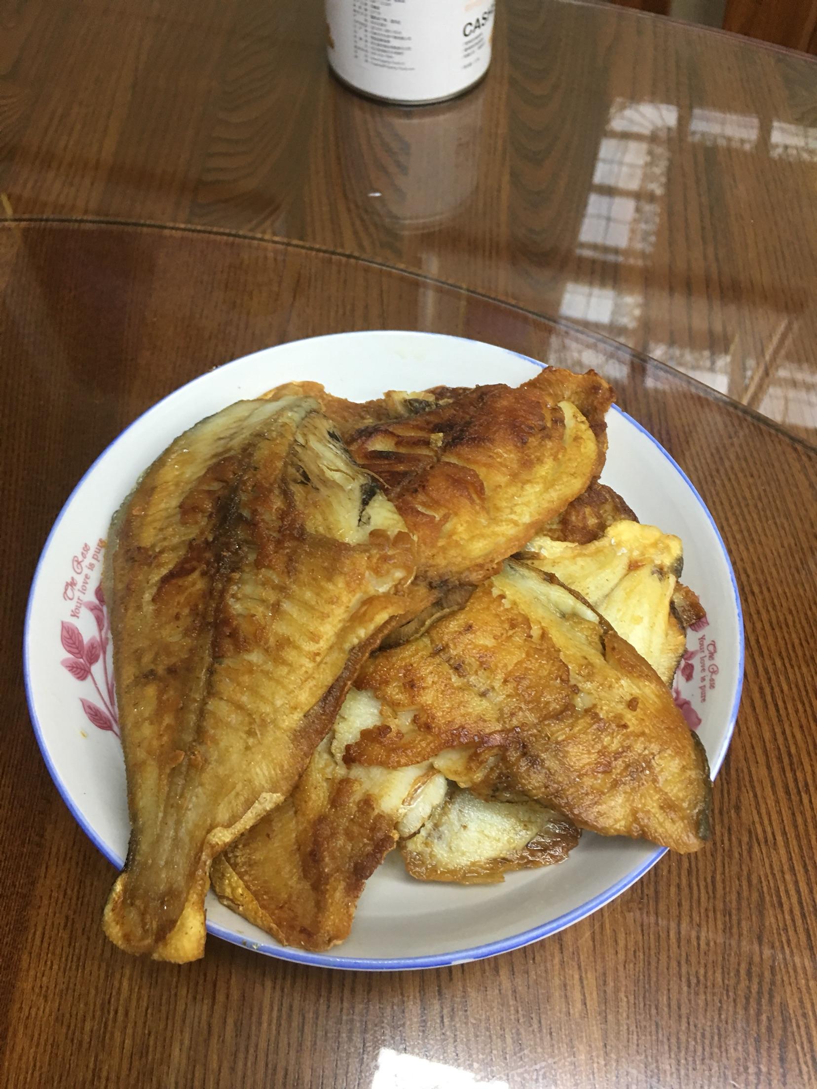 香煎米饭蒸乌平鱼加水吗图片