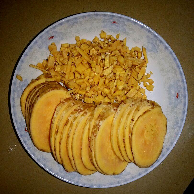 煎饼番薯的做法图解2