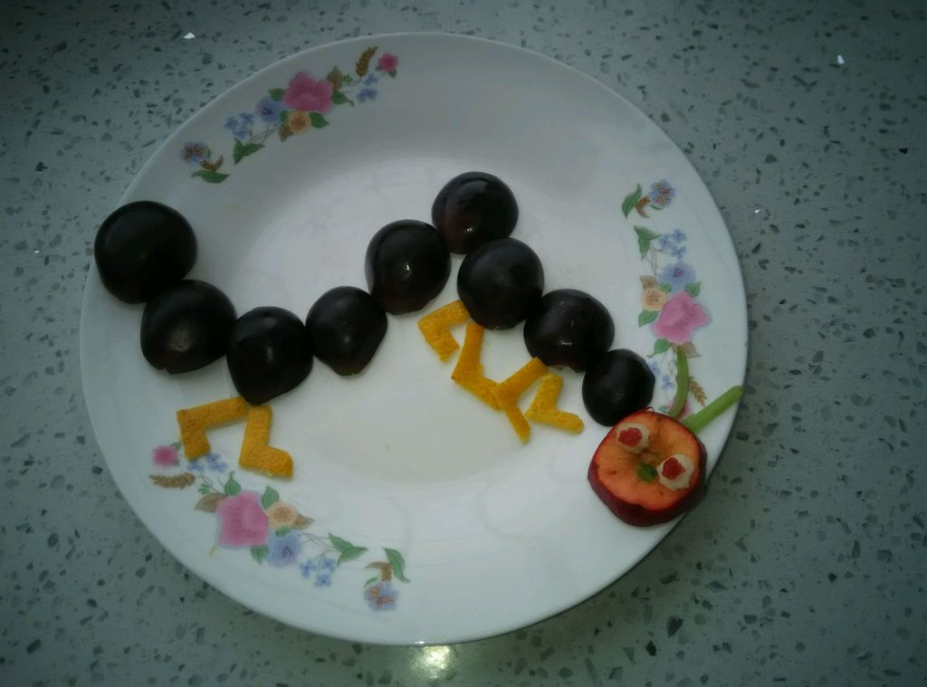 水果拼盘(毛毛虫)