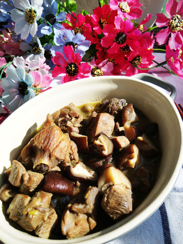 香菇炖土鸡的做法图解9