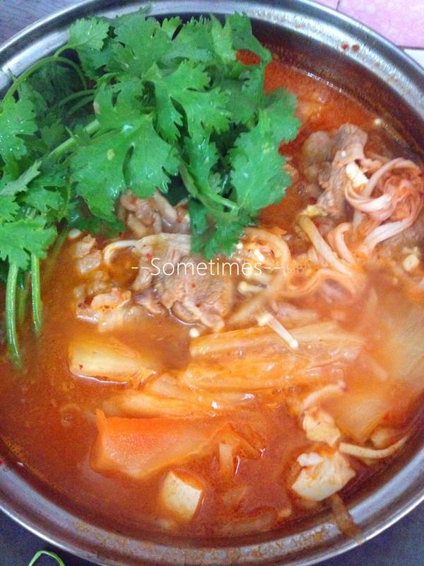 泡菜金针菇豆腐泡饭煲的美食_肥牛_豆果做法梦见吃腌菜汤菜谱图片
