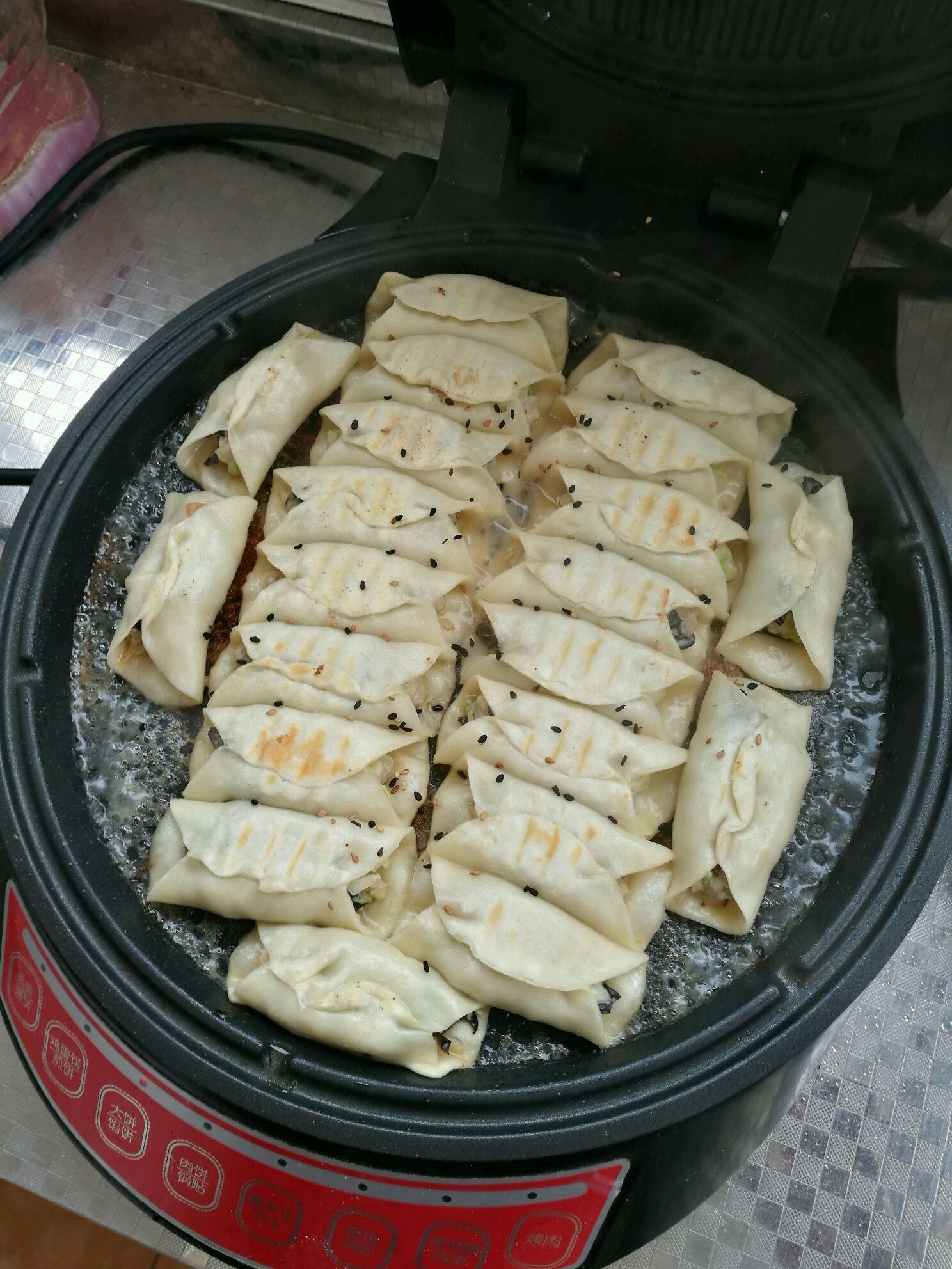 锅贴的做法_【图解】锅贴怎么做如何做好吃_锅贴家常