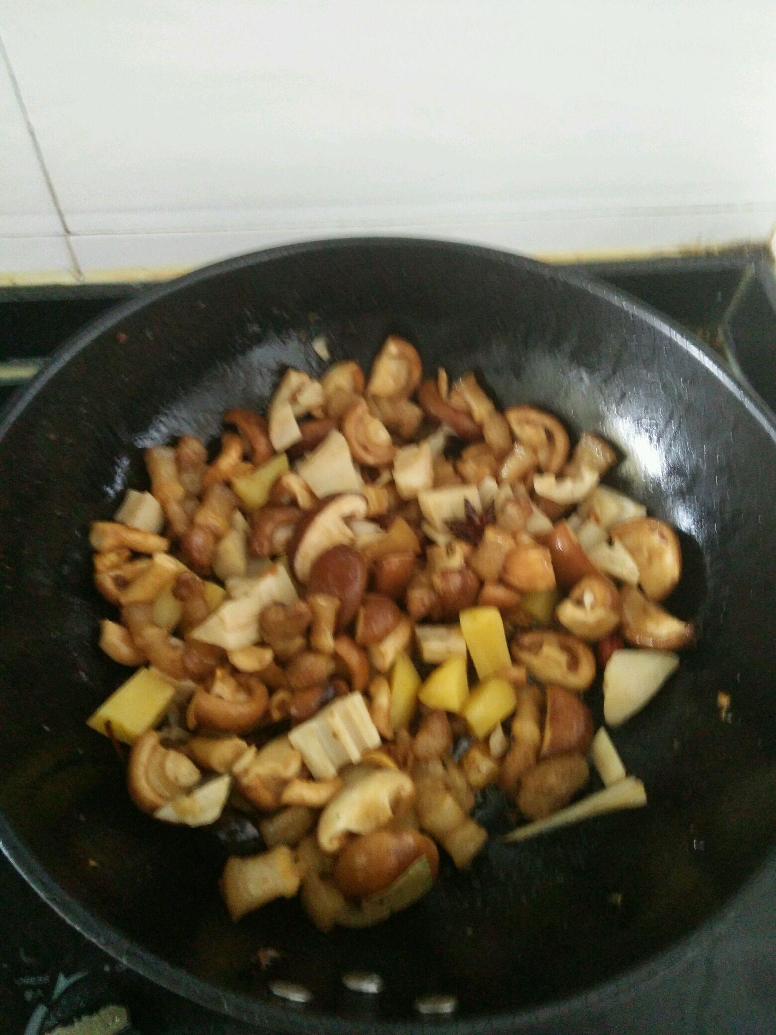 香菇红烧肉的做法图解3