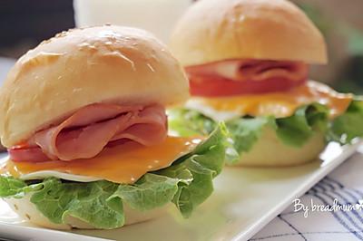 培根芝士汉堡包——校园门口的超级美食/快手早餐#青春食堂#