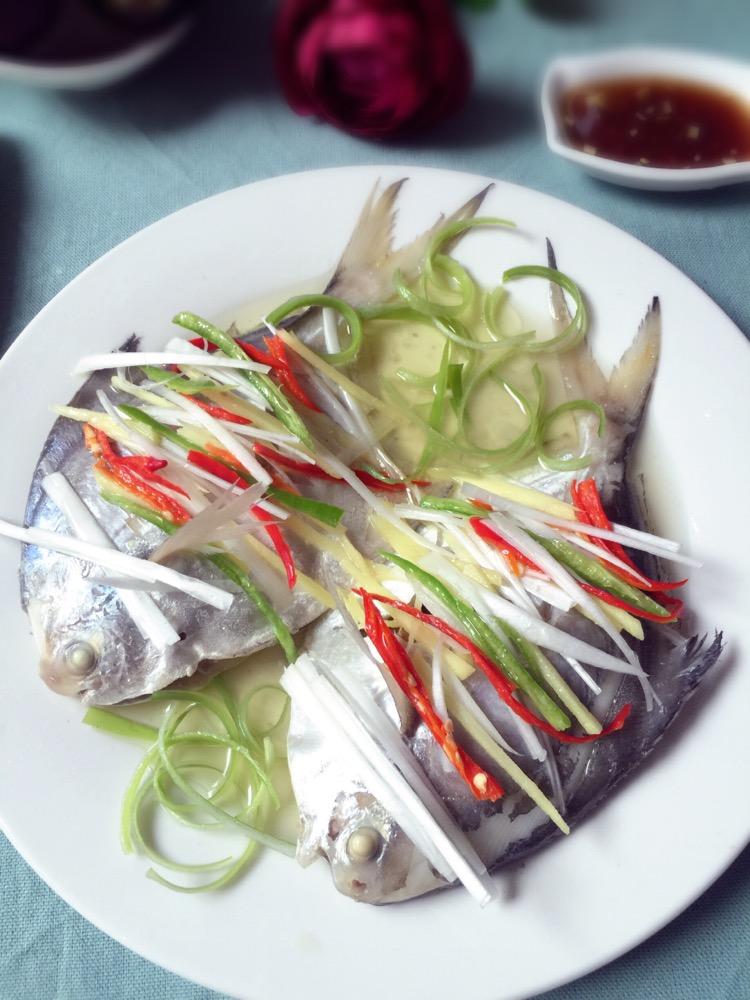 v鲳鱼鲳鱼的做法_美食_豆果菜谱干炒玉米面怎么炒图片