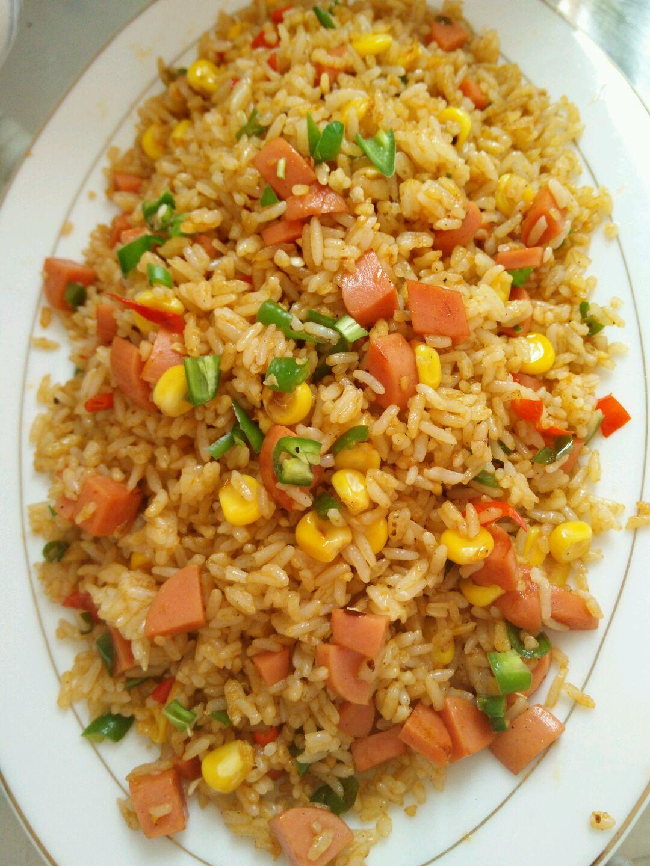 鸡蛋 玉米 青椒  小红尖椒 火腿 蛋炒饭的做法步骤        本菜谱的