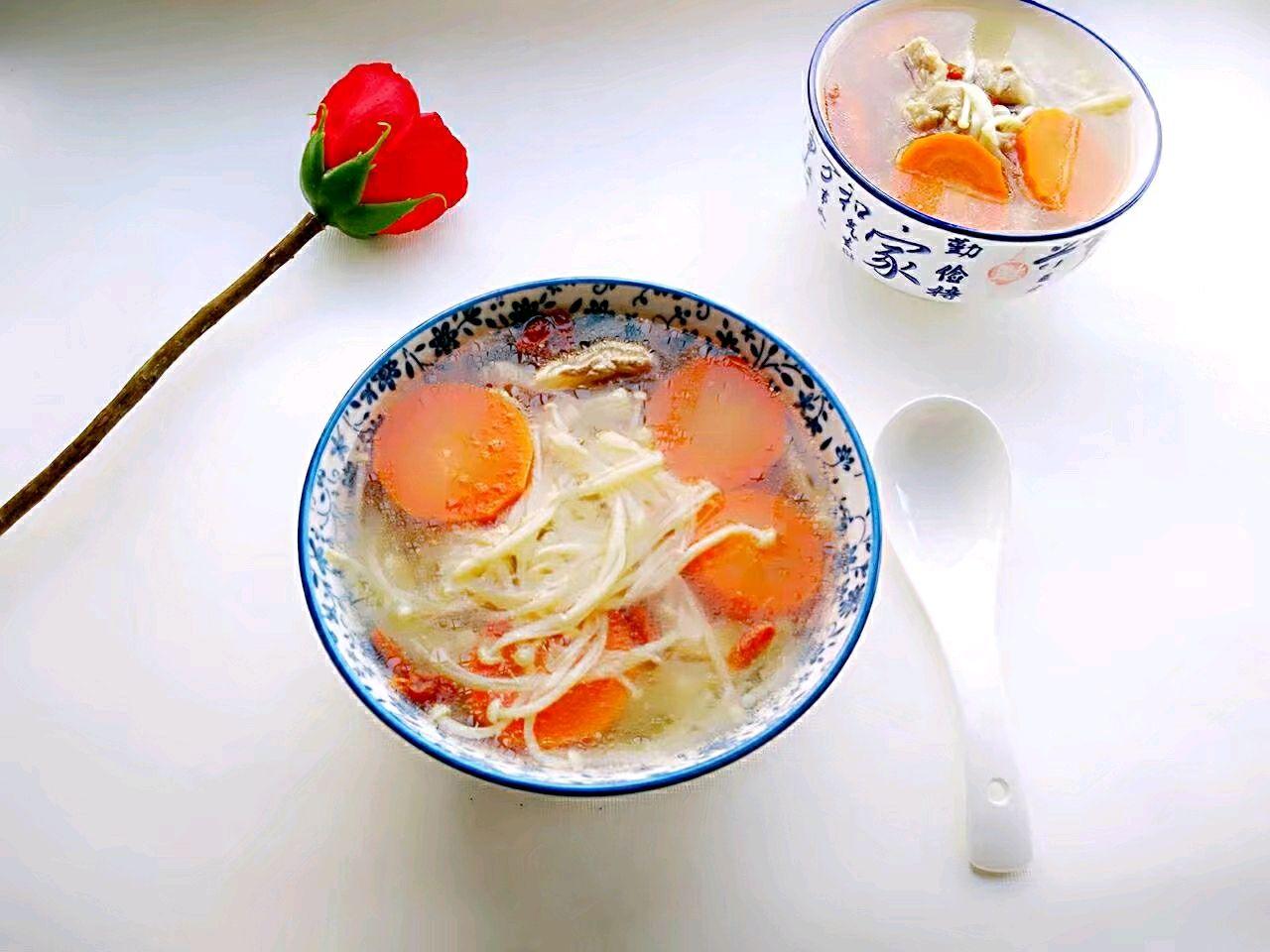金针菇胡萝卜排骨汤#每火锅都是一台食光机#梅林罐头午餐肉道菜辣吗图片