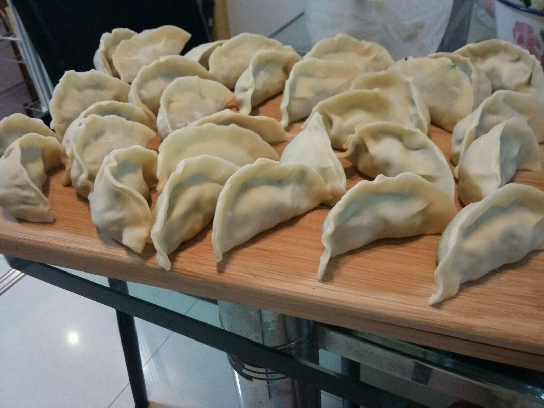 韭菜水饺的做法步骤
