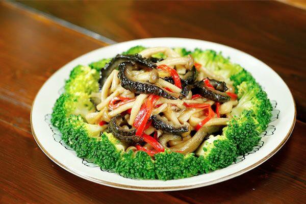 海参蟹味菇【微体兔土豆】玉米胡萝卜排骨汤可以放菜谱吗