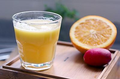 凤梨橙子综合蔬果汁