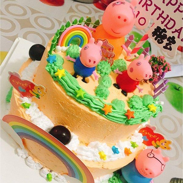 小猪佩奇双层蛋糕