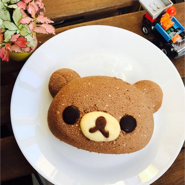 可爱的小熊轻乳酪蛋糕