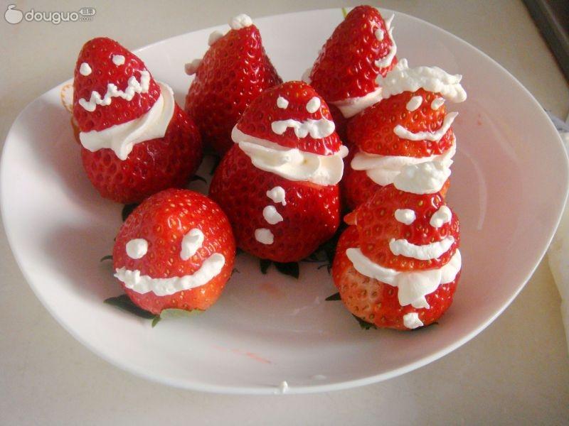 草莓杯子蛋糕点心的做法图解1