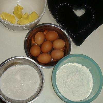 超好吃的猫王磅心形出水菜谱的排骨_做法_豆中空什么意思。蛋糕图片