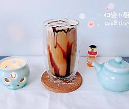 #夏日冰品不能少# 冷萃黑糖拿铁(脏脏杯)的做法