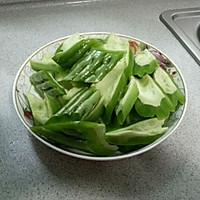 三文鱼头焖凉瓜的做法图解3