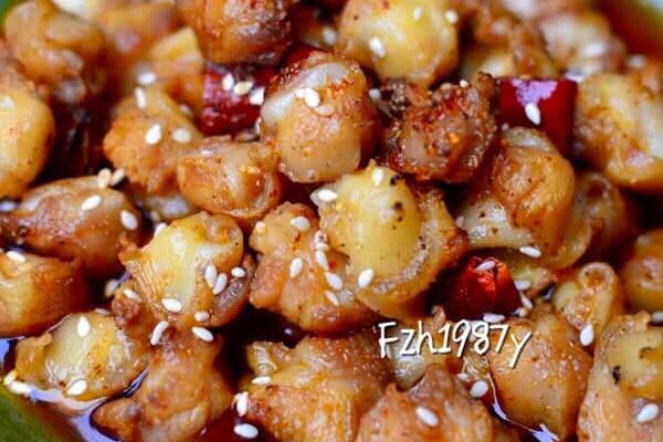 辣子鸡丁~超级美味的做法