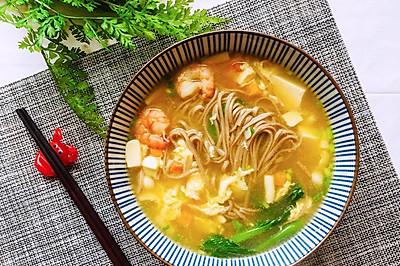 快手减脂荞麦面-虾仁菌菇豆腐汤底