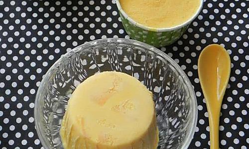 蛋奶芒果冰激淋的做法