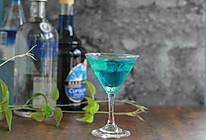 雪碧的3种逼格喝法——蓝色妖姬,红粉佳人,绿野仙踪的做法