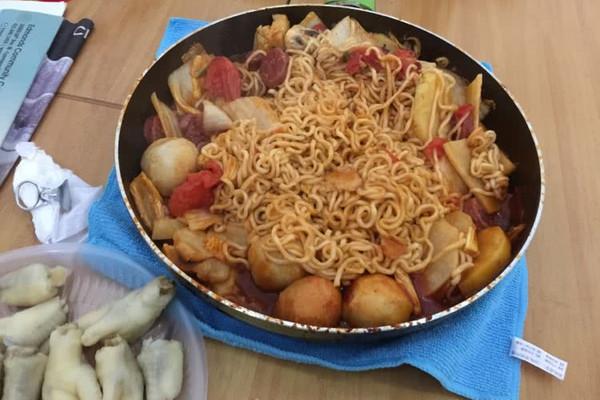 懒人最爱韩式拉面火锅的做法