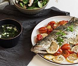 香料烤番茄鲈鱼的做法