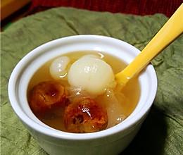 献给母亲节:桂圆红枣银耳羹的做法