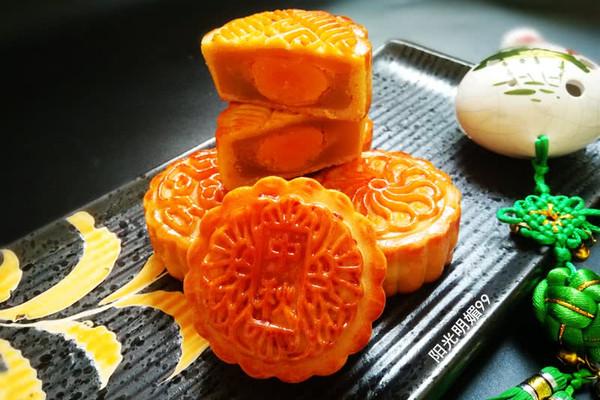 广式莲蓉蛋黄月饼#金龙鱼外婆乡小榨菜籽油 最强家乡菜#的做法
