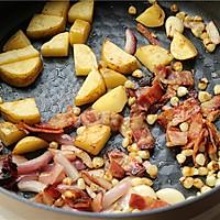 蔬菜培根浓汤的做法图解3