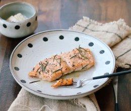 迷迭香烤三文鱼的做法