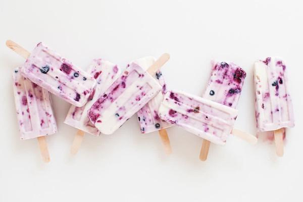 浆果酸奶冰棒的做法