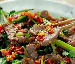 香菜炒牛肉|嫩滑鲜香的做法
