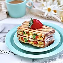 #快手又营养,我家的冬日必备菜品#鸡蛋时蔬三明治