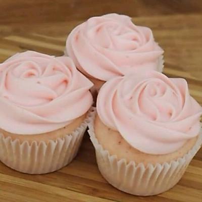 玫瑰奶油乳酪霜