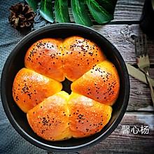 #爱乐甜夏日轻脂甜蜜#无需黄油烘焙小白也能做的手撕面包