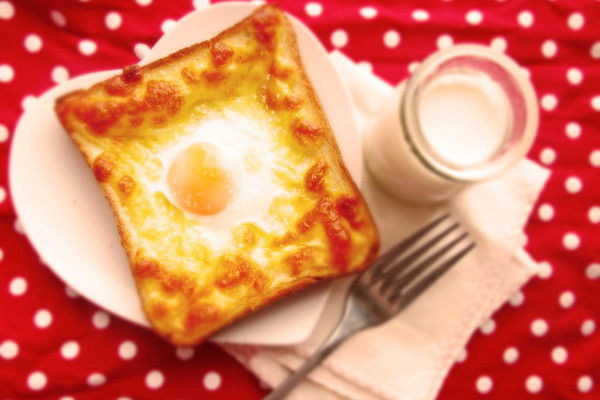 快手早餐-奶酪吐司蛋(A+B版)的做法