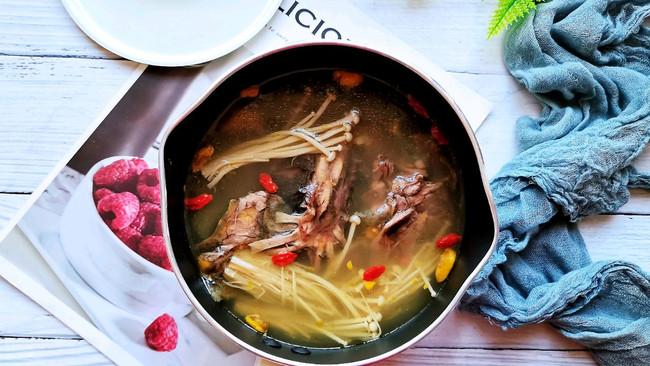 ㊙️养胃比猴头菇强百倍❗️胃炎的克星❗️金针菇甲鱼汤的做法